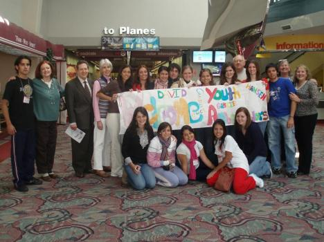 2009 Youth Ambassadors Arriving in Wichita